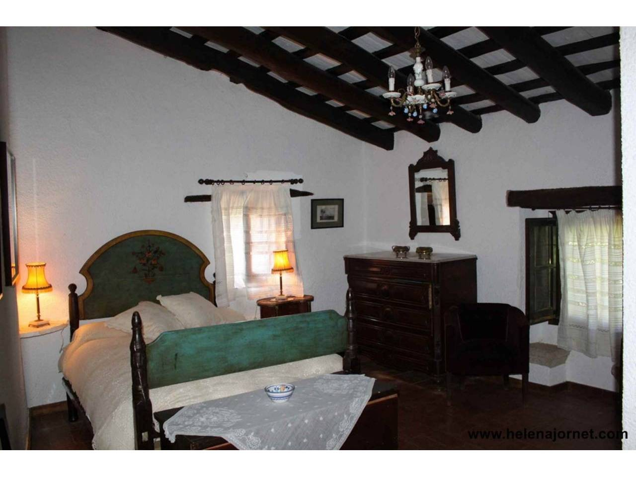 House of the seventeenth century  in perfect condition in the neighborhood of Panedes - 284
