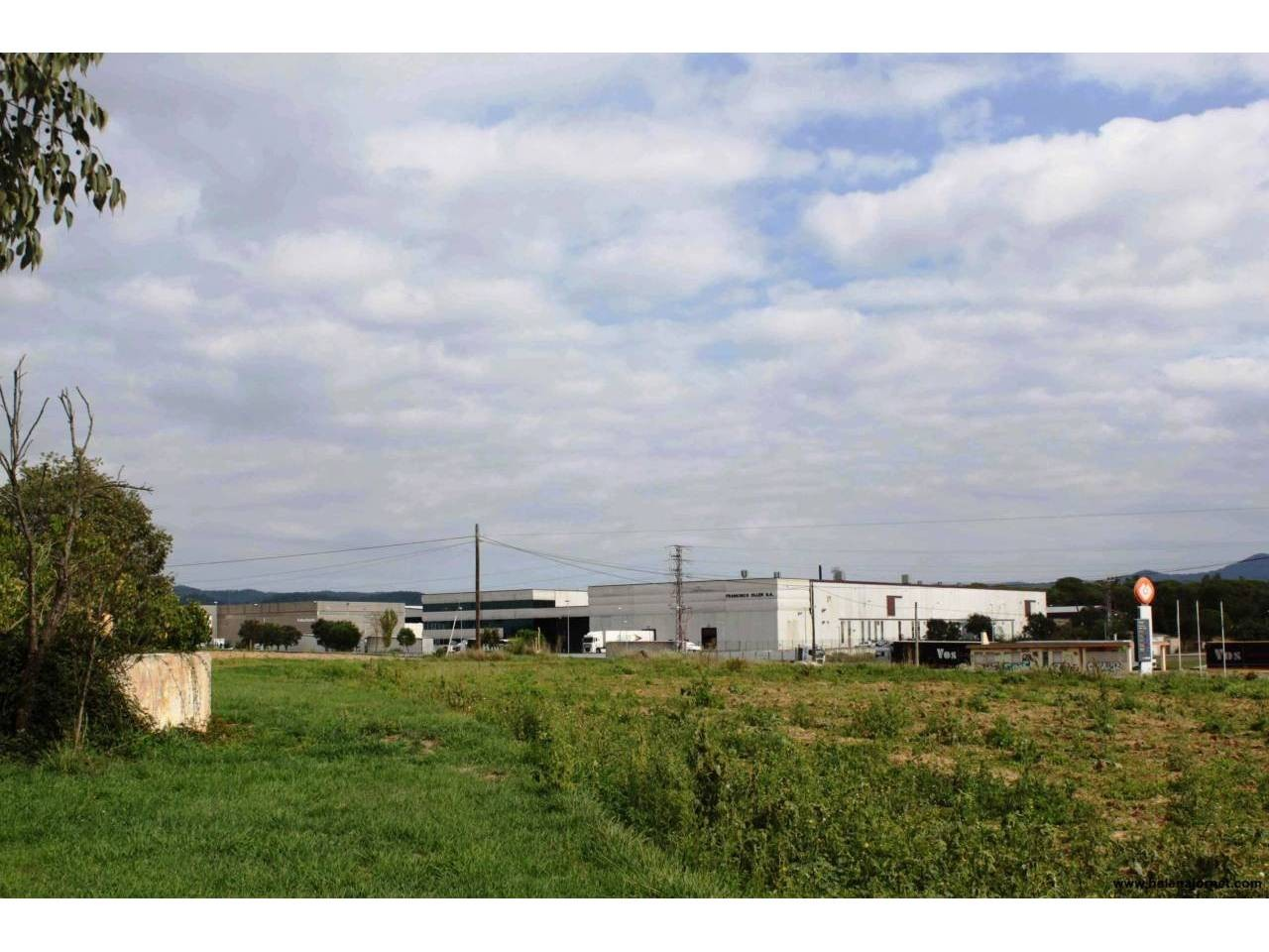 Large plot qualified for industrial use in a very good location - 168