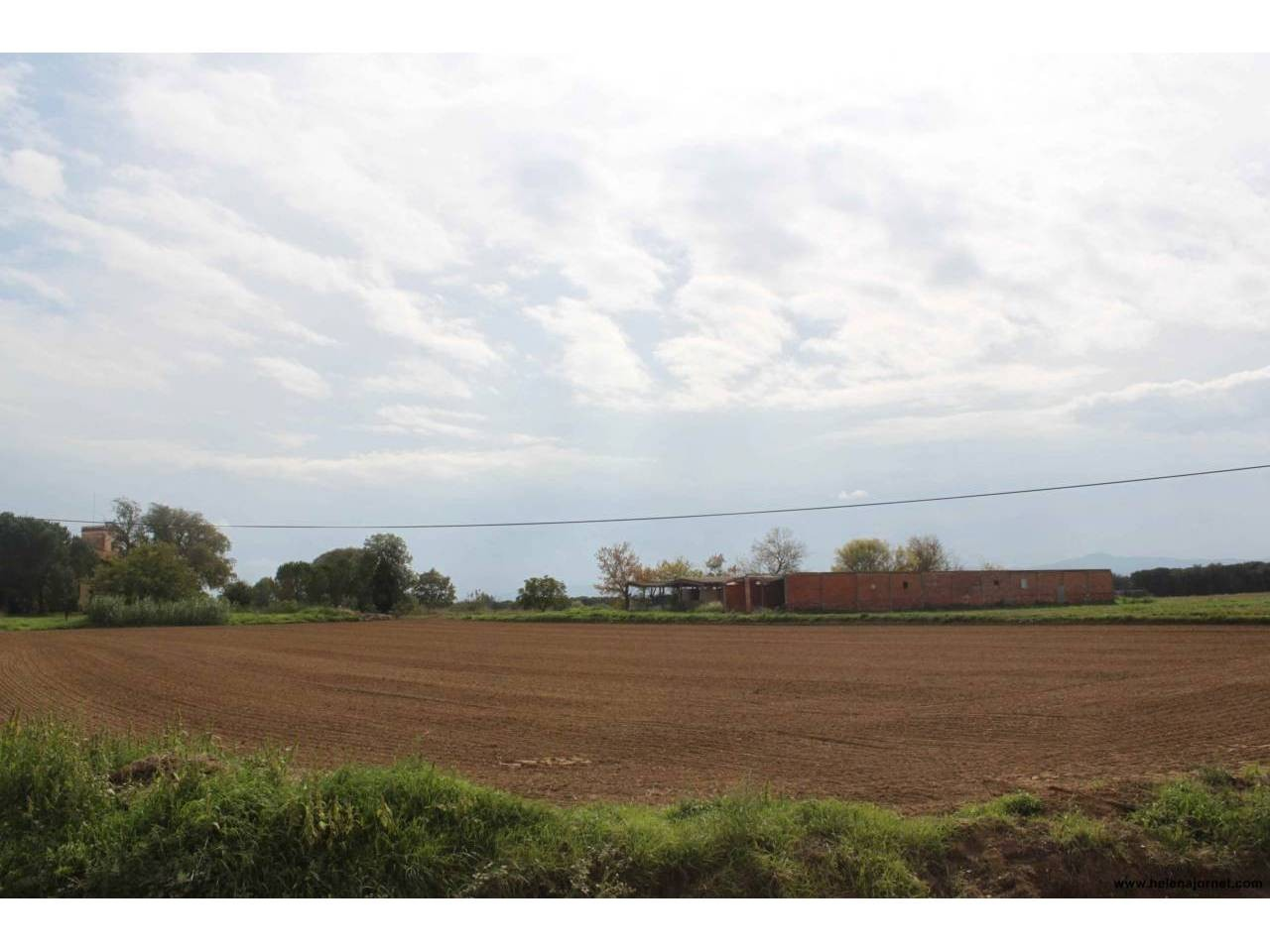 Large plot qualified for industrial use in a very good location