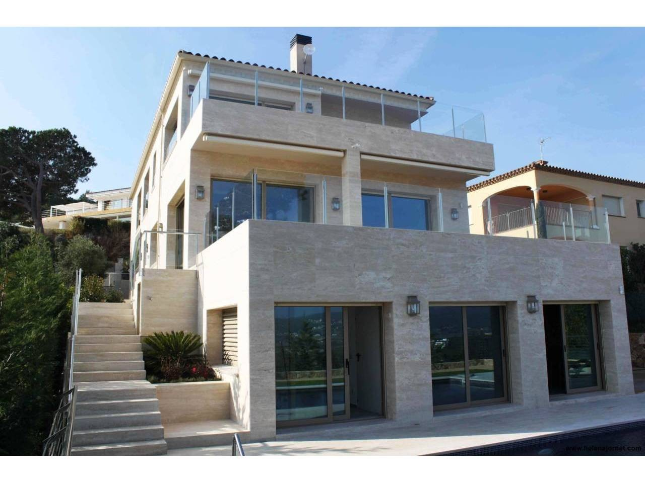 Wonderful luxury house with outdoor and indoor swimming pools and two large terraces with views - 020033