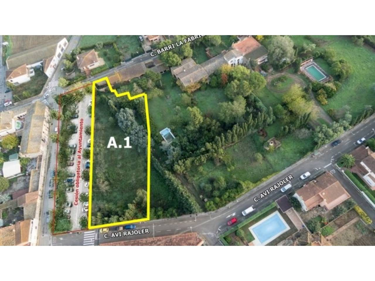 Building land lot in town centre - 493
