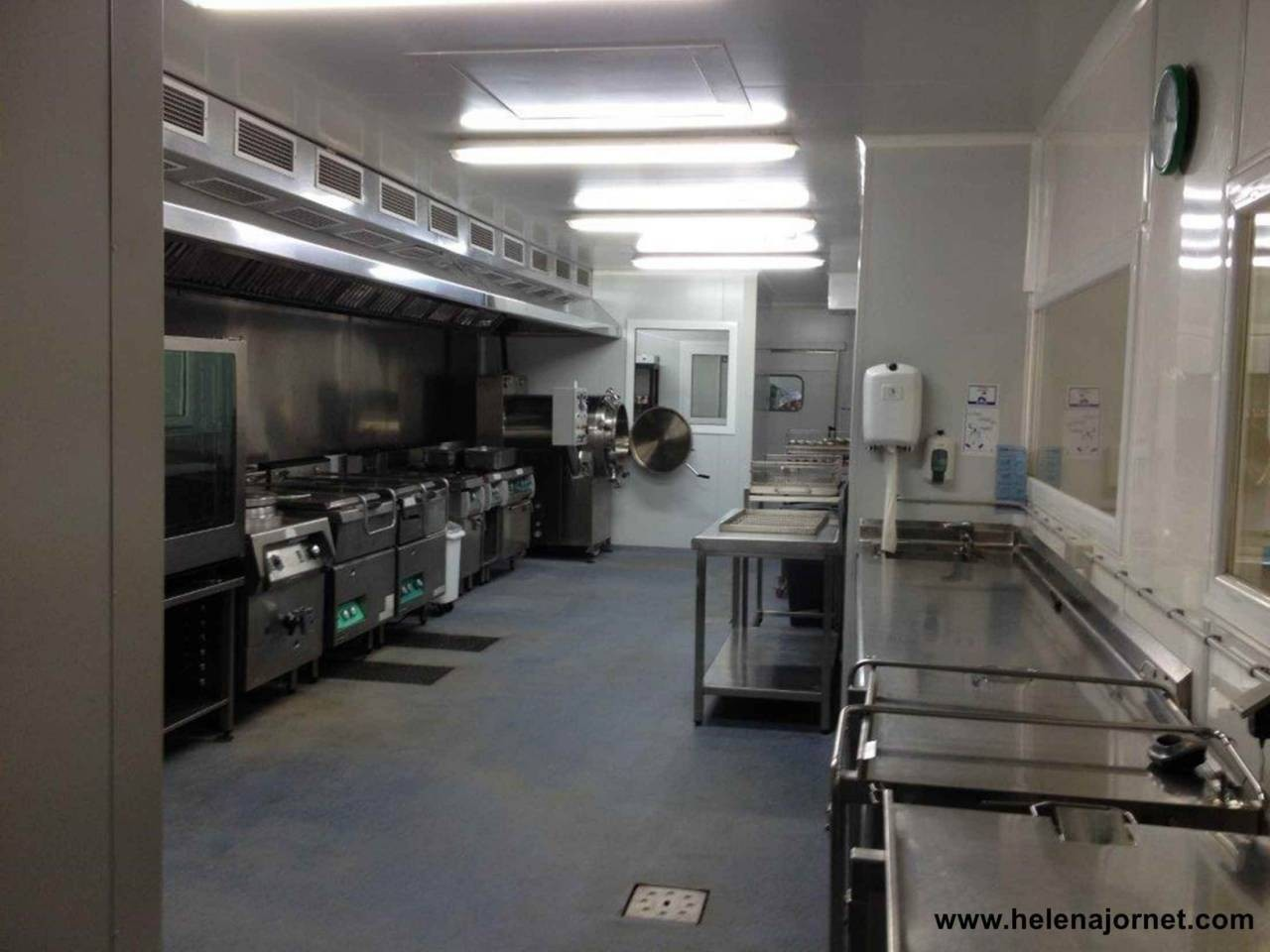 Production kitchen placed close to town centre totally equipped - 74
