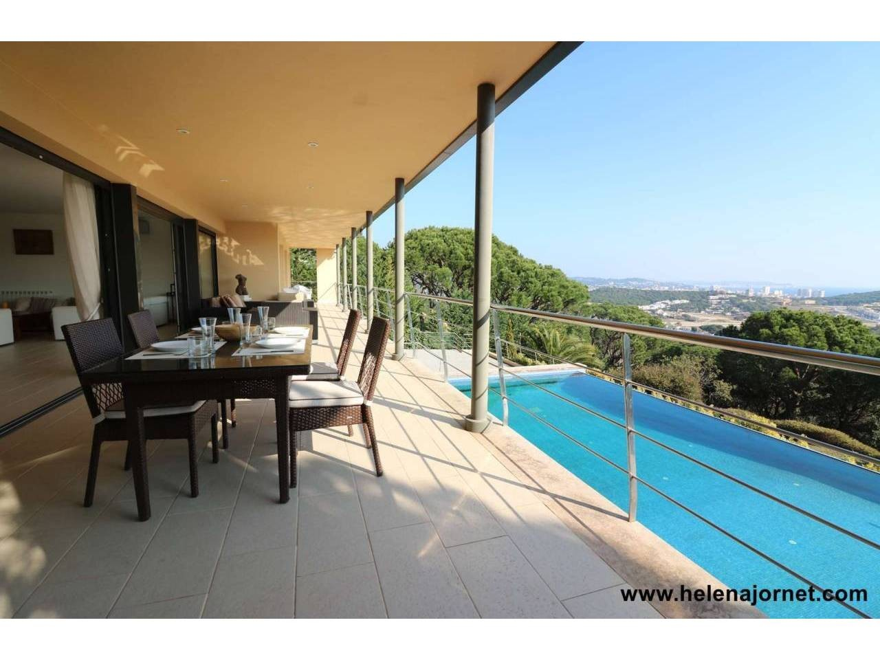Exclusive house with spectacular views in Les Bateries - 4064