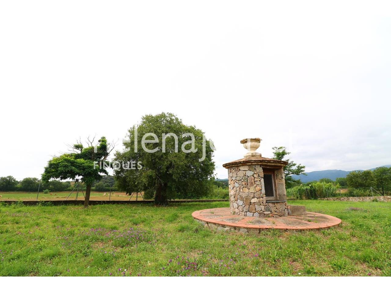 Catalan country house with 7Ha of land in Catalonia - 1548