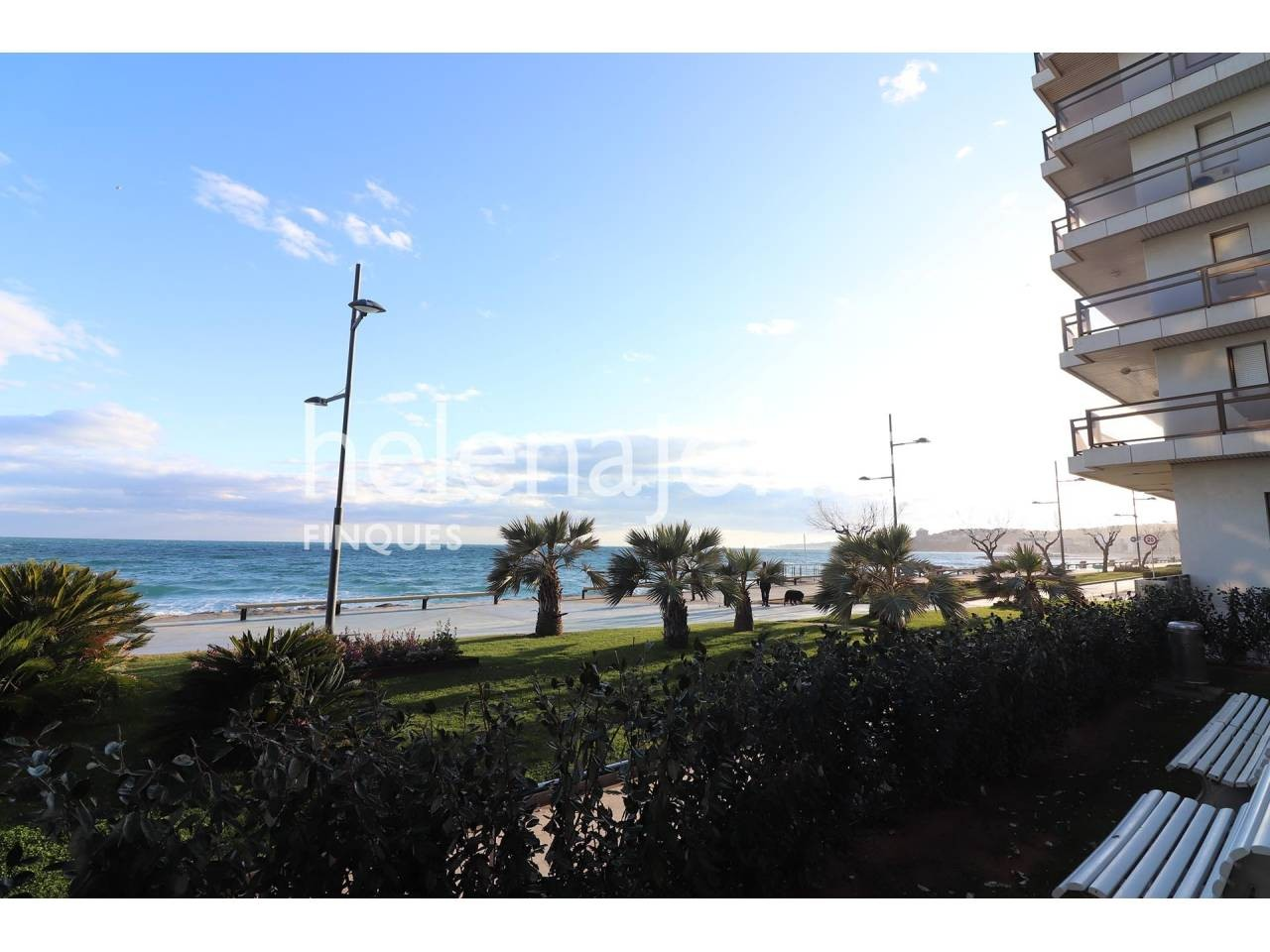 Ground floor on the seafront with community pool and private garage in St Antoni de Calonge - 1207
