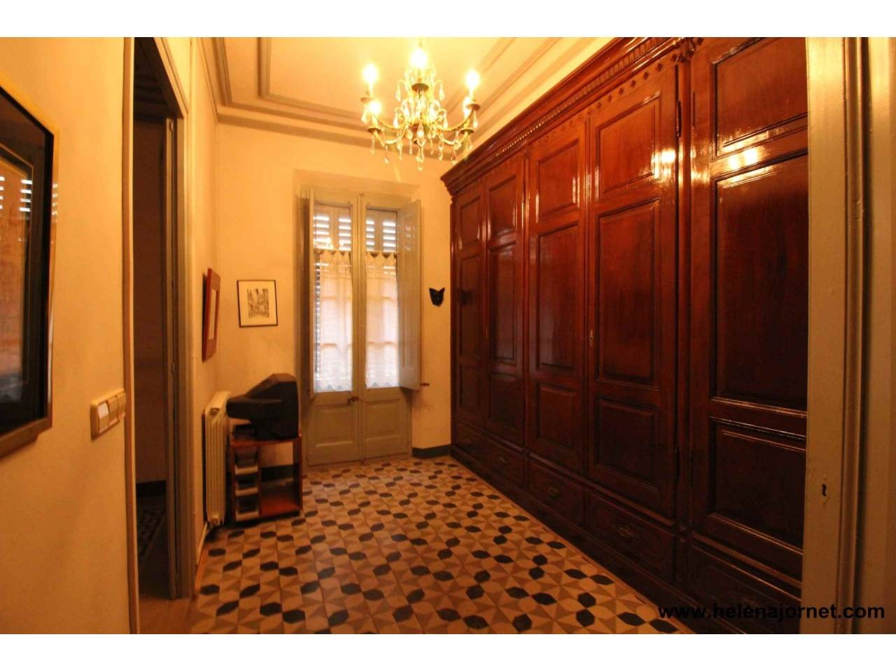 Wonderful modernist style house in town centre (Costabrava) - 870