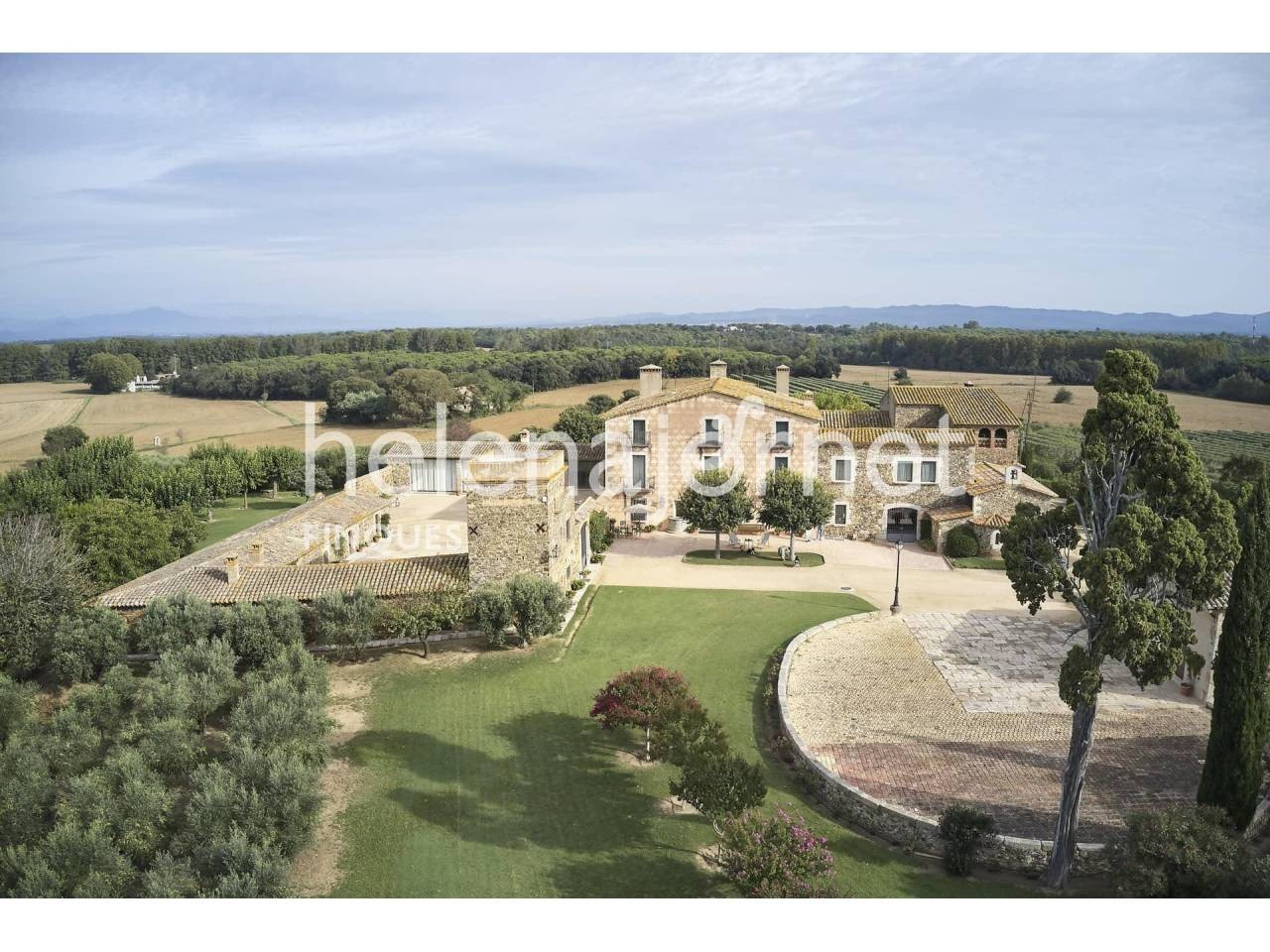 Unique and exceptional rustic property of 137ha, with two renovated country houses - 1542