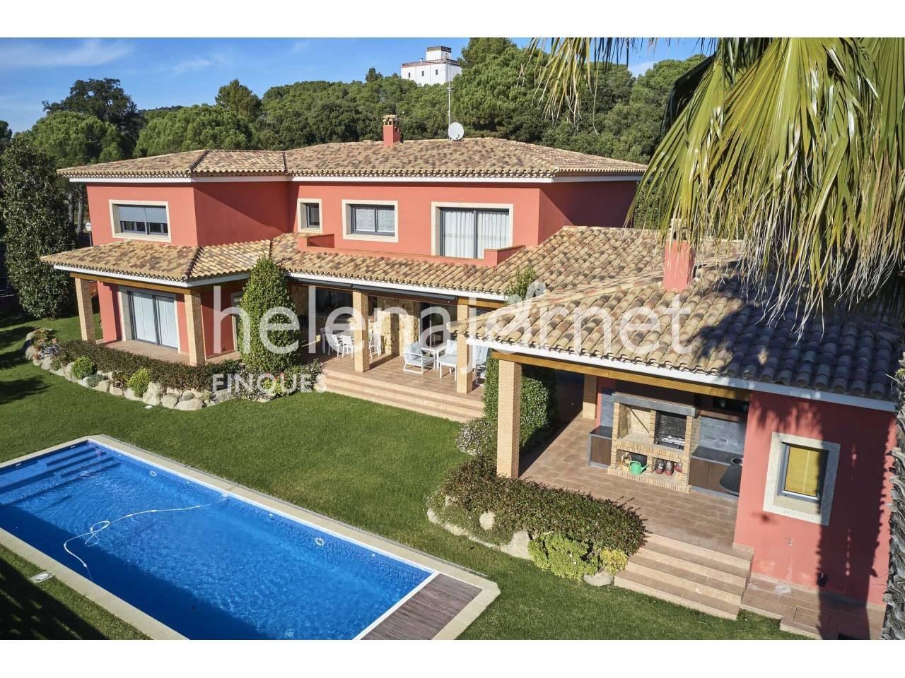 Fantàstica i lluminosa casa amb jardí i piscina a Santa Cristina d´Aro - 3516