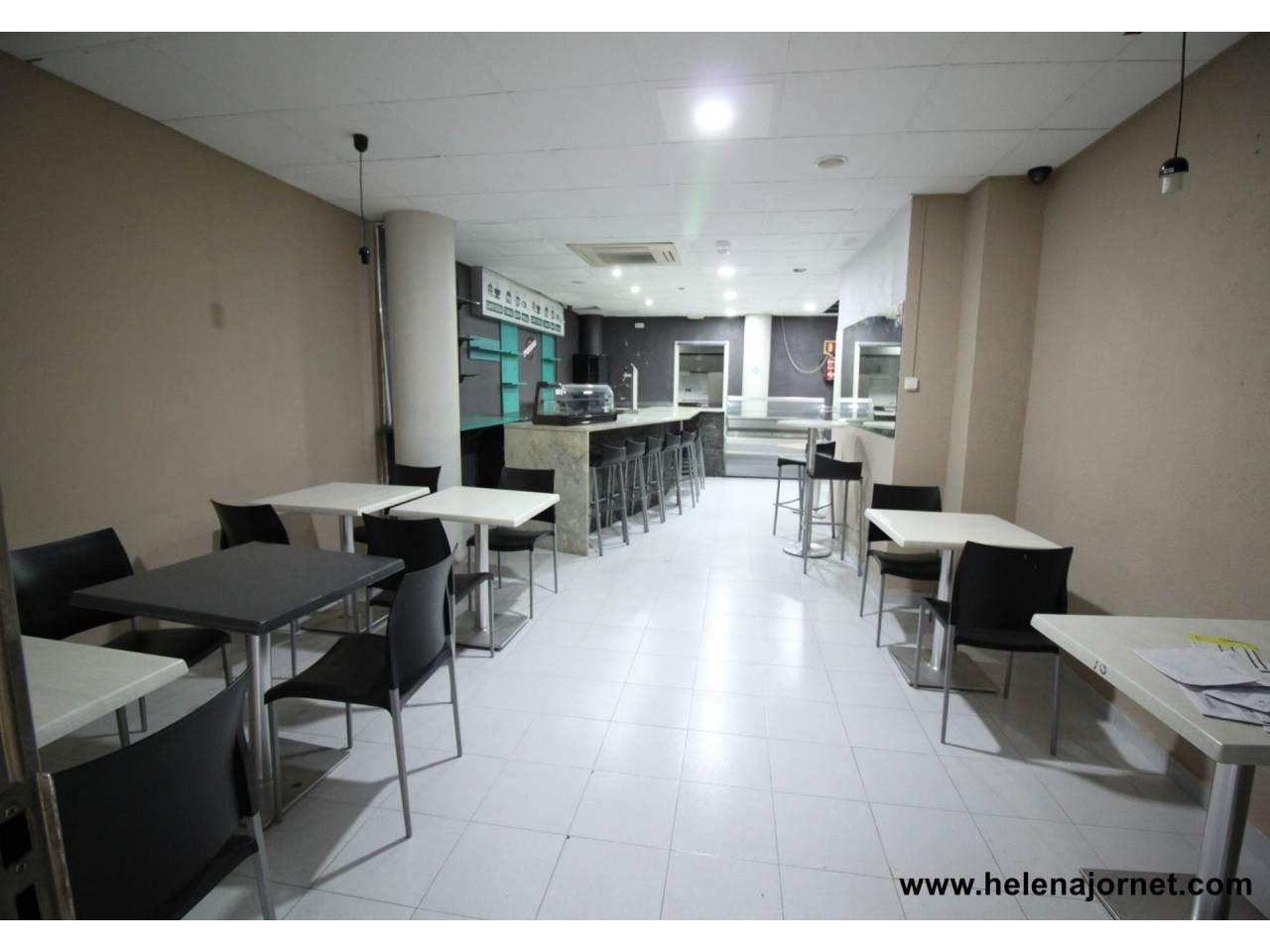 Restaurante con espacio para terraza en una muy buena ubicación - 4157