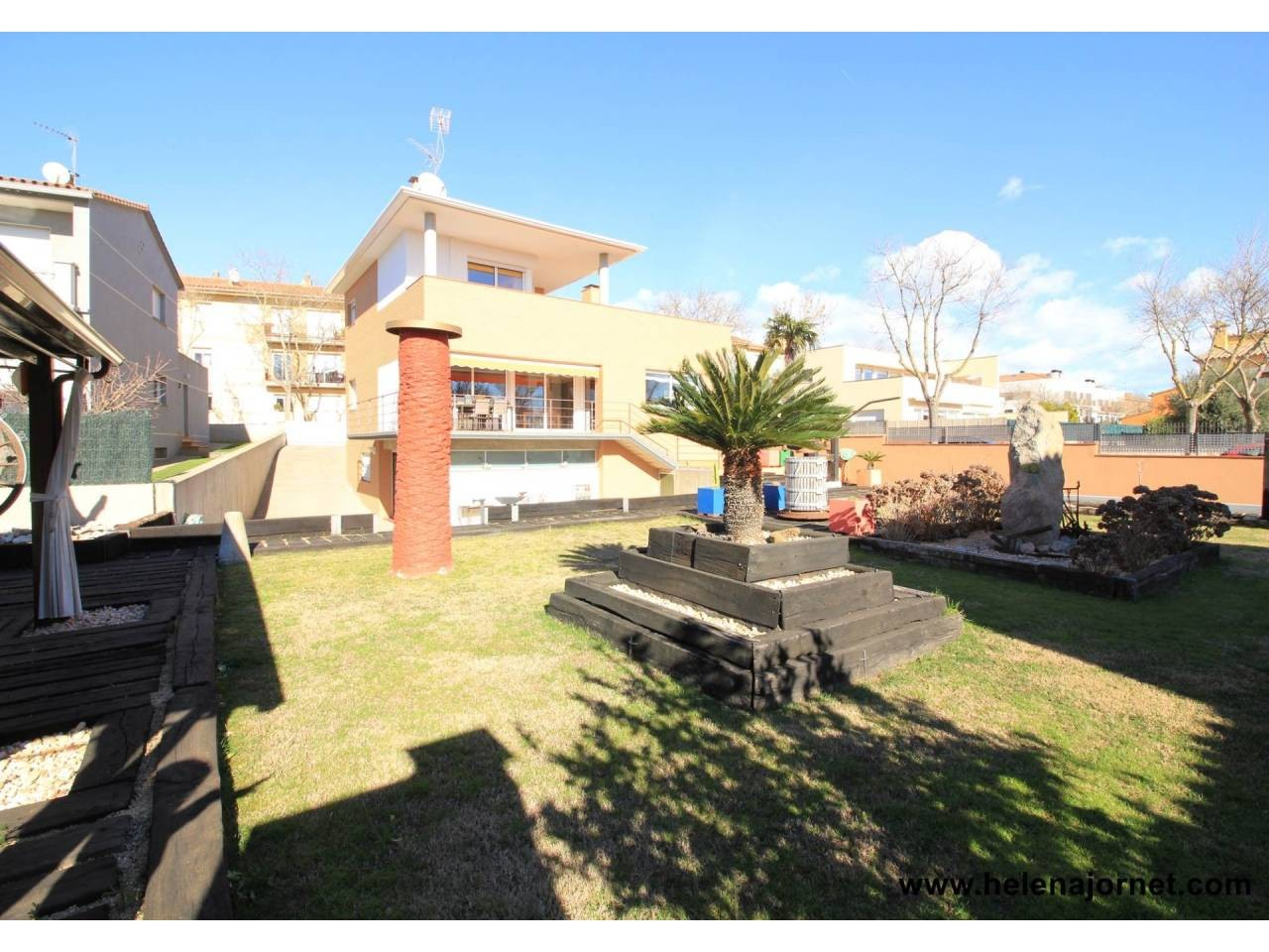 House with large garden and swimming pool in Castell d´Aro - 001475