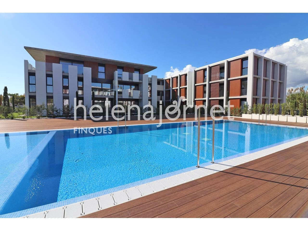 New and modern apartment with private garden and community pool - 1548P