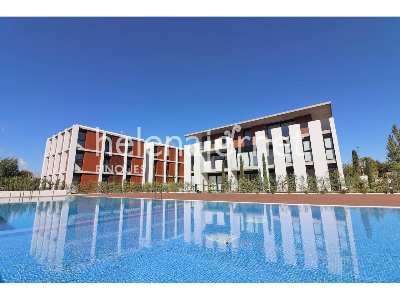 New and modern apartment with private garden and community pool - 1546P