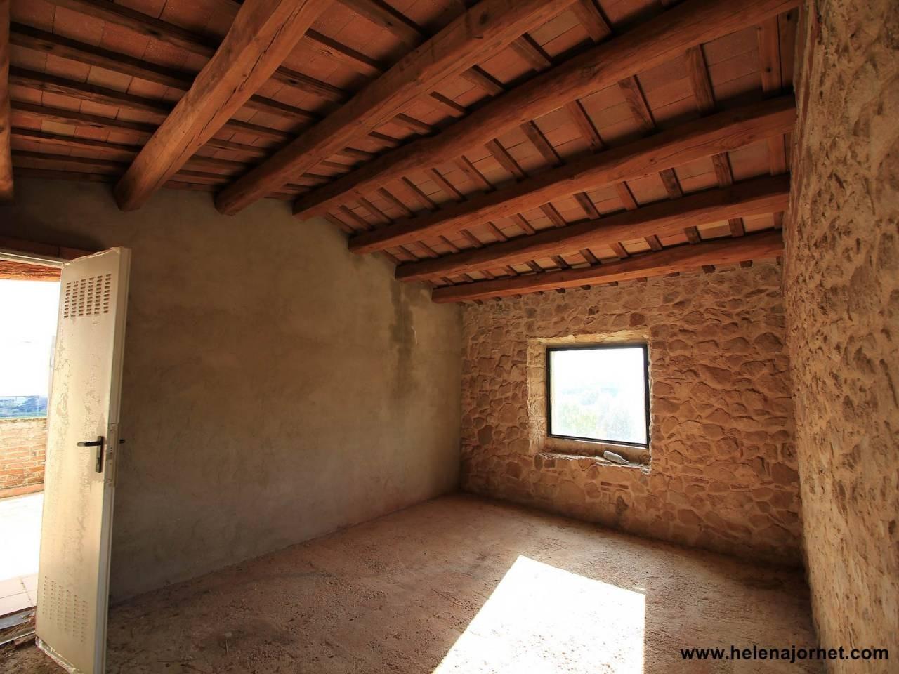 Masia to refurbish with wonderful views - 630