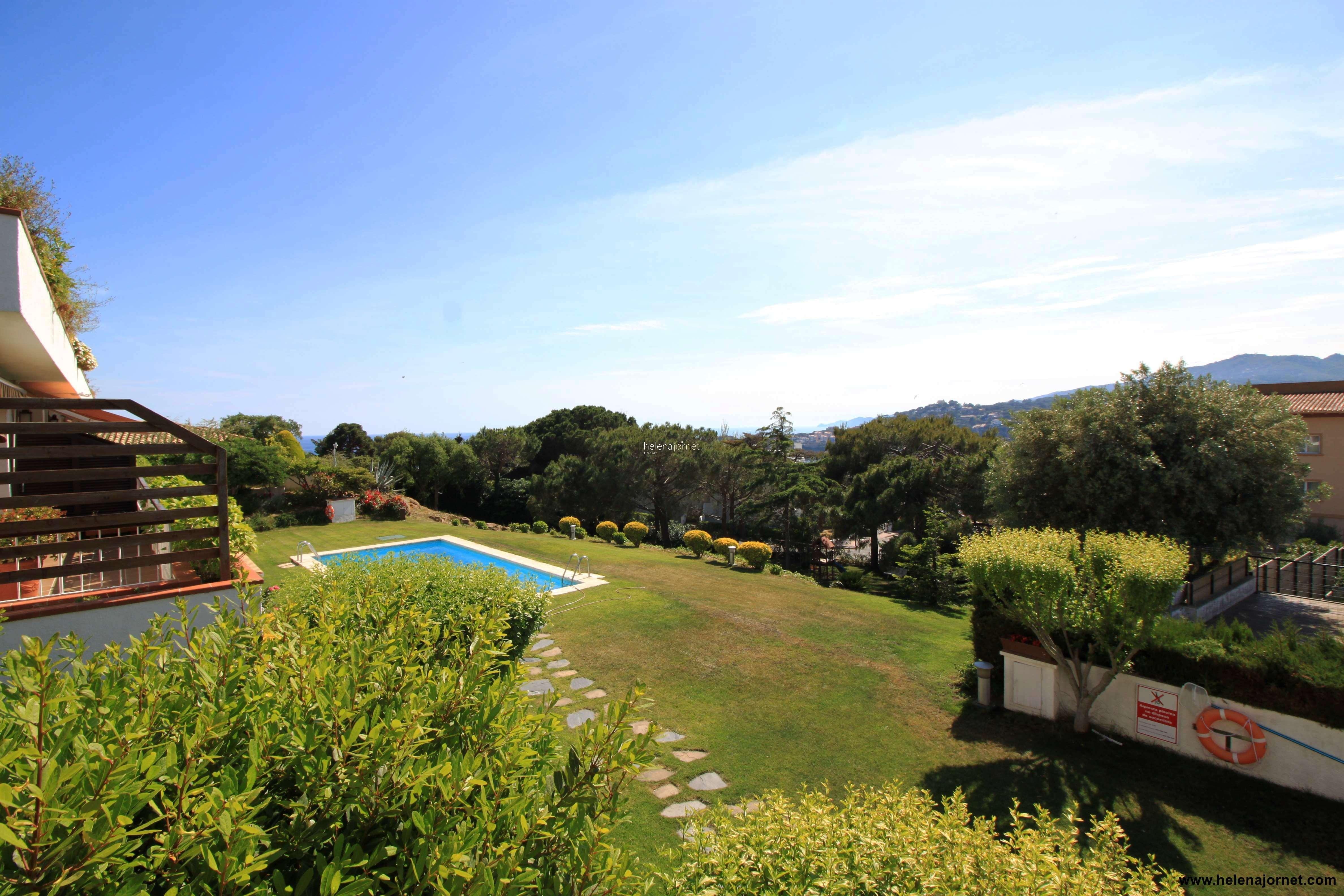 Casa pareada  con piscina comunitaria - 70015 Hipòcrates