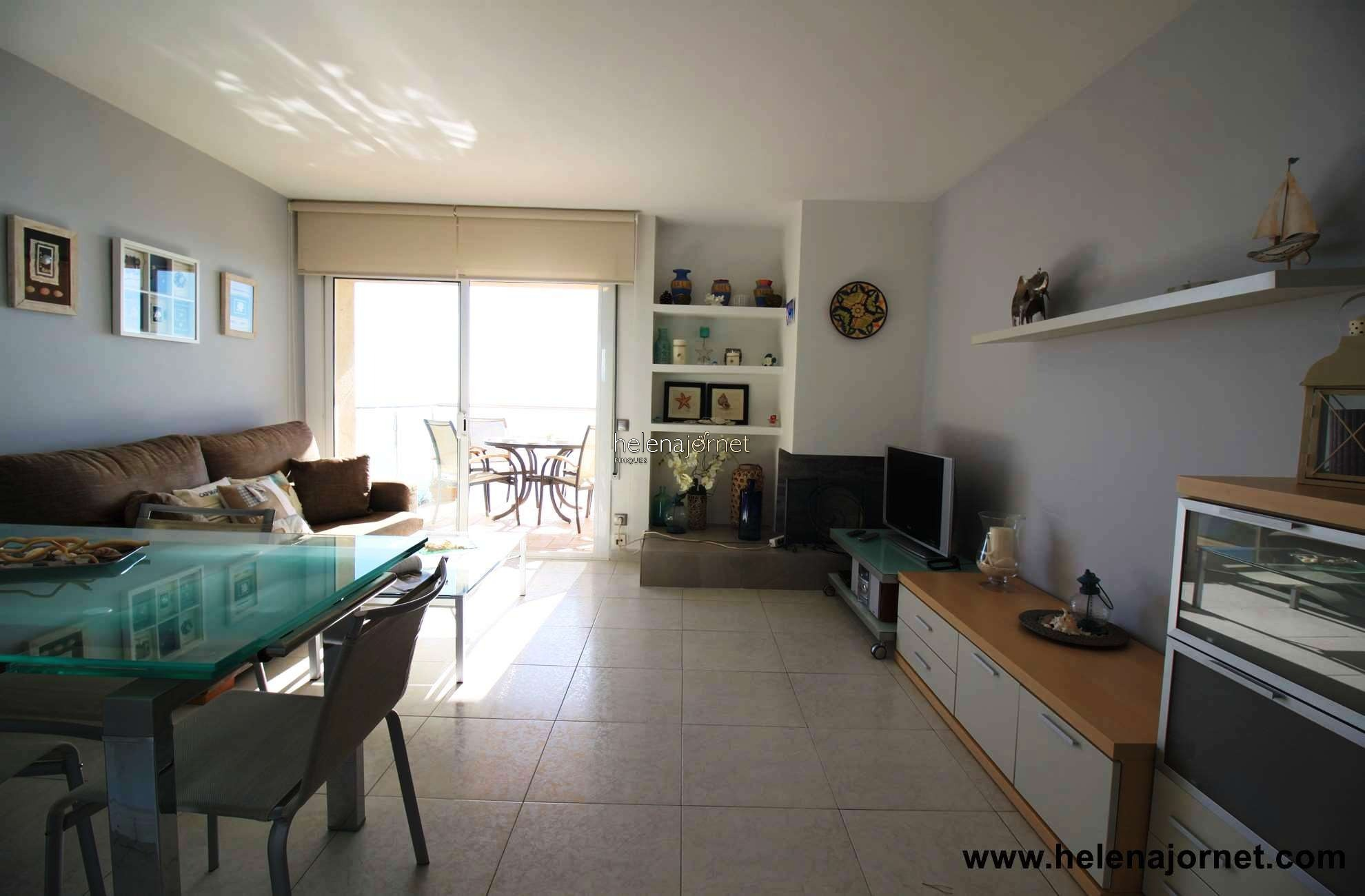 Apartment with terrace in the seafront with stunning sea views. - 43