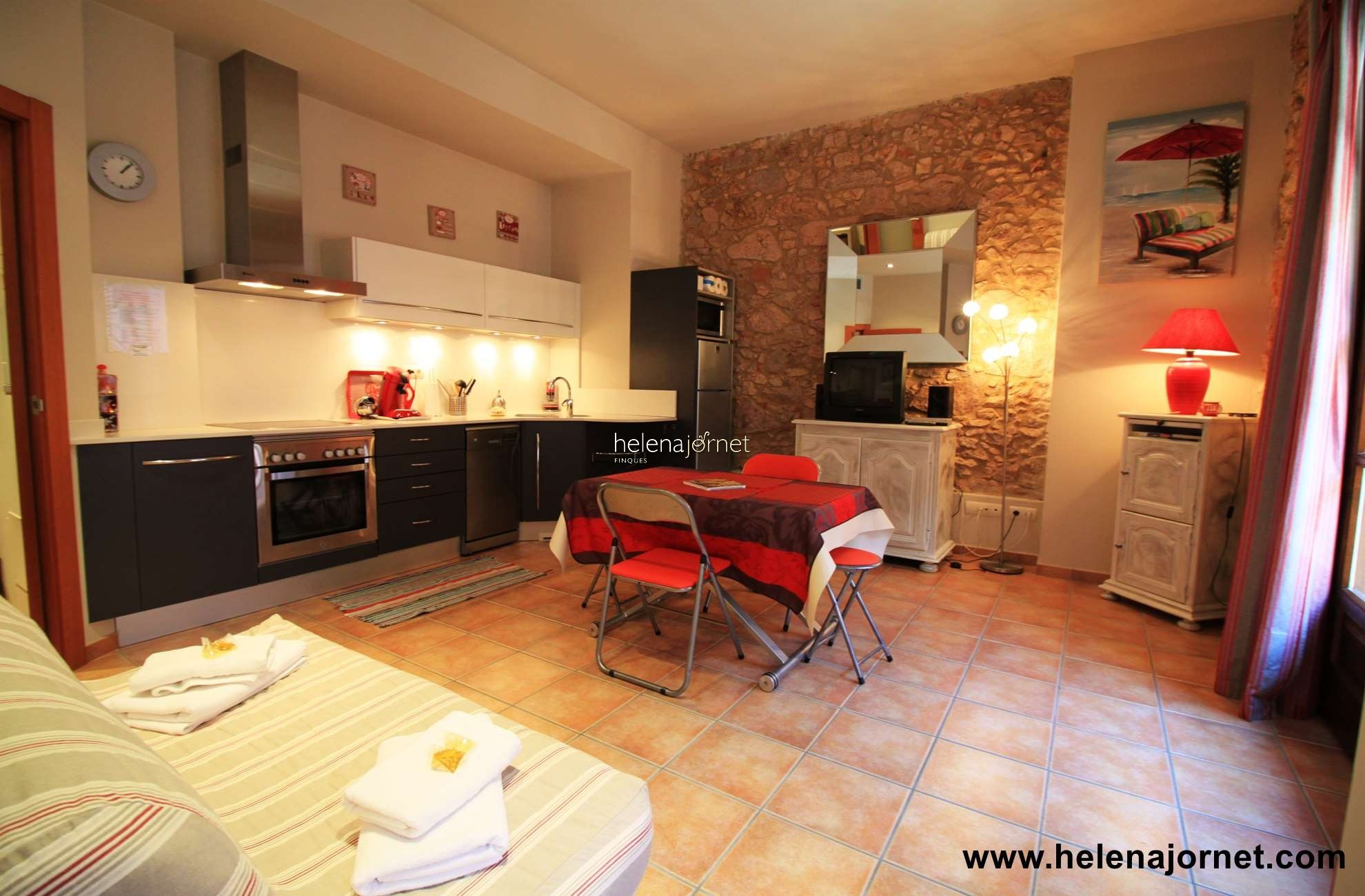 Apartment just few meters away from the beach - 70048 Girona