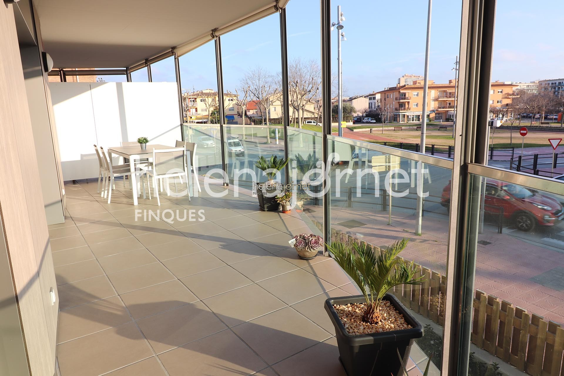 New construction apartment with a big communal area with pool - 70065 Palamos